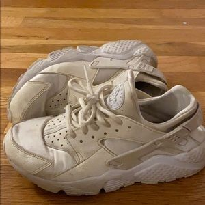 women white nike huarache shoes